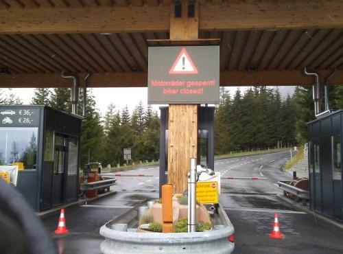 Grossglockner Hochalpenstrasse zamknięta. Powodem fatalne warunki pogodowe