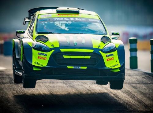 Valentino Rossi prowadzi w Monza Rally Show