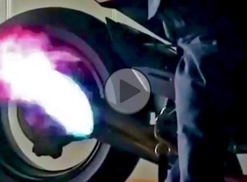 Świąteczna świeczka od Kawasaki H2R