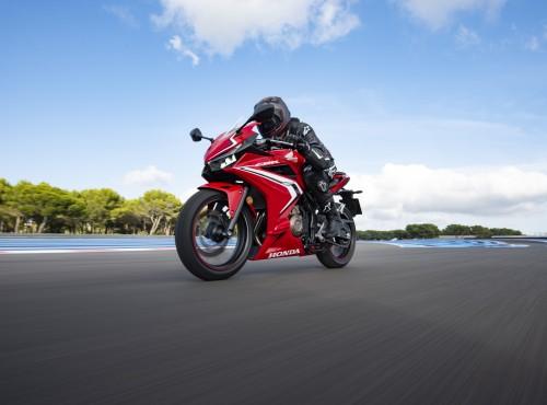 Co na pierwszy motocykl? Testujemy nowe Hondy
