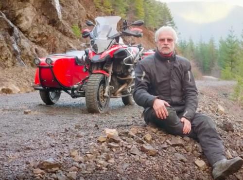 Helge Pedersen i turystyka z wózkiem bocznym
