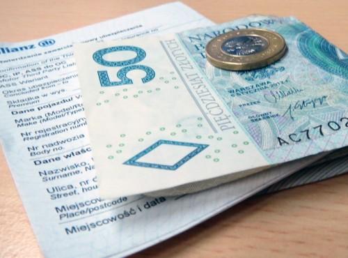 Pamiętaj o opłaceniu OC w 2019. Kary za jego brak mogą być gigantyczne!