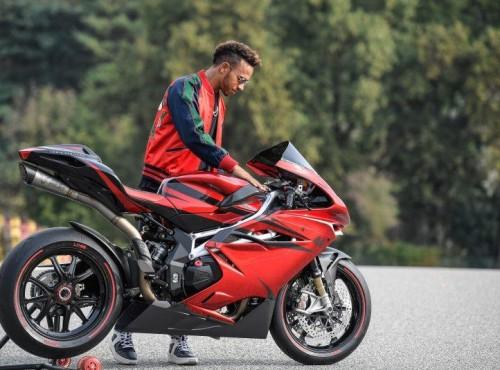 Motocykle lepsze niż FORMUŁA 1 - Hamilton marzy o MotoGP !