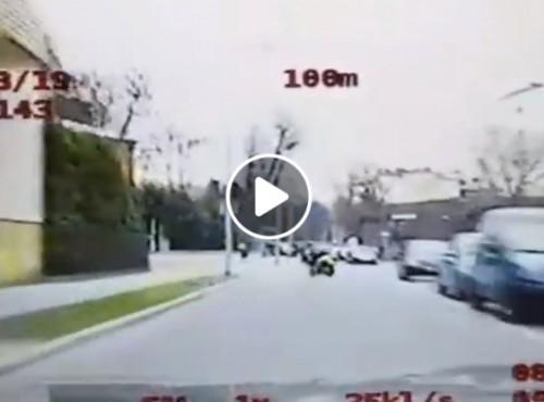 Tarnów: niezbyt rozgarnięty nastolatek złapany przez policję po krótkim pościgu [FILM]