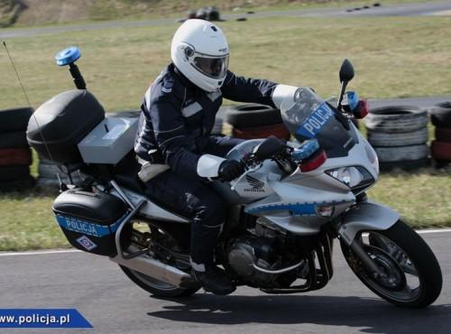 Wypadek policjantów na motocyklach - 4 maszyny uszkodzone
