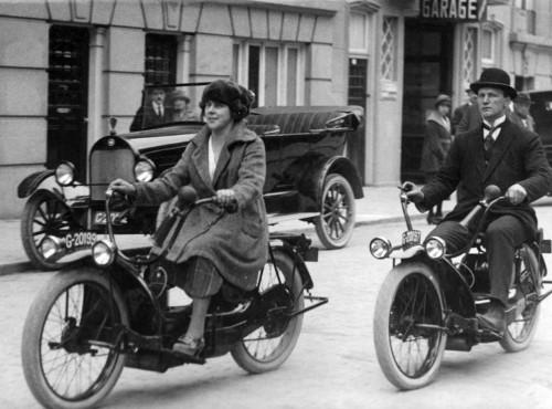 Ner-a-Car z 1921 r. Rewolucyjna konstrukcja, protoplasta dzisiejszych maxi skuterów