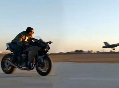 Sztafeta pokoleń - dwa motocykle Kawasaki w nowej części