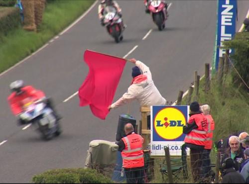 Biura i garaże zamiast bezpiecznej trasy - kontrowersje przy organizacji Ulster GP