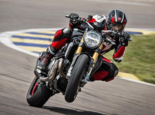 Czarno-czarny potwór. Nowe malowanie Ducati Monster 1200S