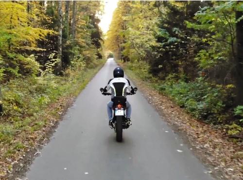 Radość z pierwszego motocykla i wypad w barwach jesieni [VIDEO]