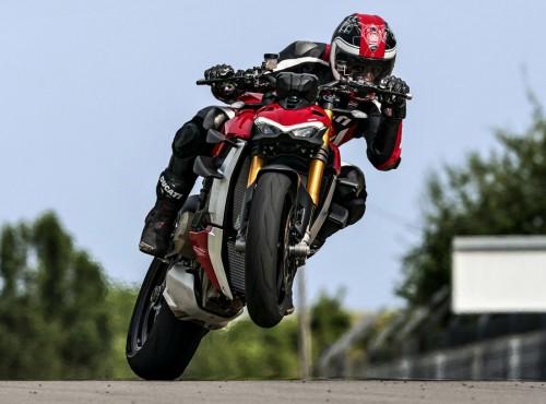 Nawet 220 KM i silnik V4 w nakedzie! Poznajcie Ducati Streetfightera V4