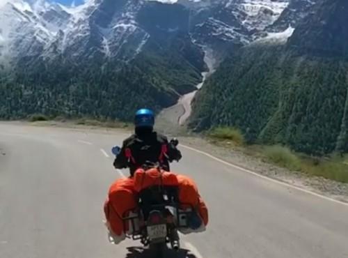 Szaleństwo zmysłów u podnóża Himalajów [VIDEO]