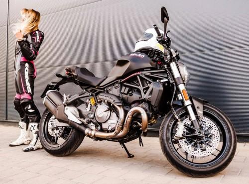 Kobiety - nadzieja i ratunek dla branży motocyklowej [FELIETON]