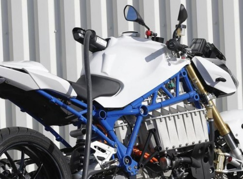 BMW: Rynek nie jest gotowy na motocykl elektryczny