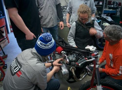 Royal Enfield podaruje motocykle licealistom z Milwaukee
