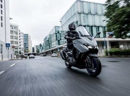 Yamaha TMAX 560 model 2020 - pierwsza jazda [OPINIA, FILM]