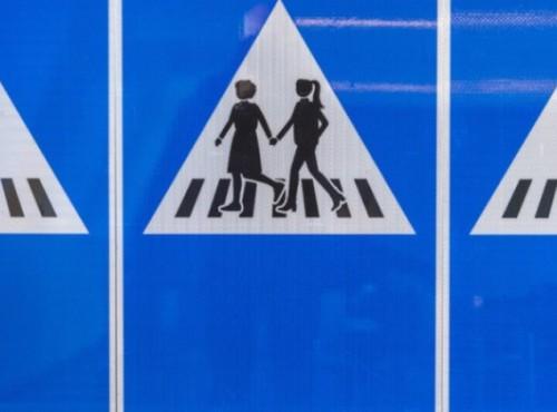 Szwajcaria: znaki drogowe w mocno kobiecej formie
