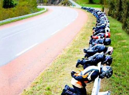 Znowu ani słowa o motocyklistach. Wiceminister o Programie Bezpieczna Infrastruktura