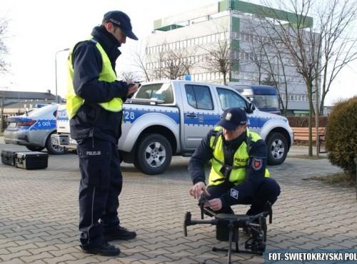 Policja przeprowadziła pierwsze testy dronów dla drogówki