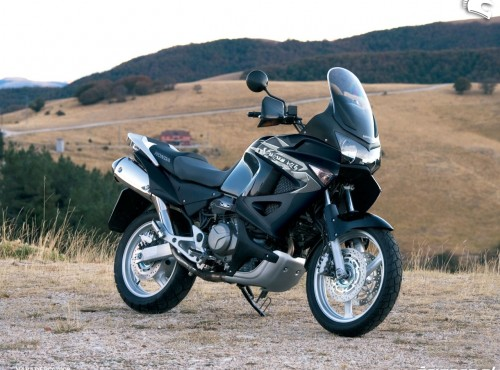 Honda Varadero XL1000V z lat 1999-2012 [Opinie, dane techniczne, usterki]