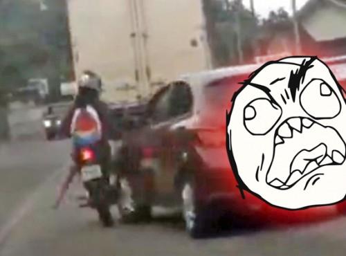 Drobne nieporozumienie skończyło się drogową agresją [FILM]