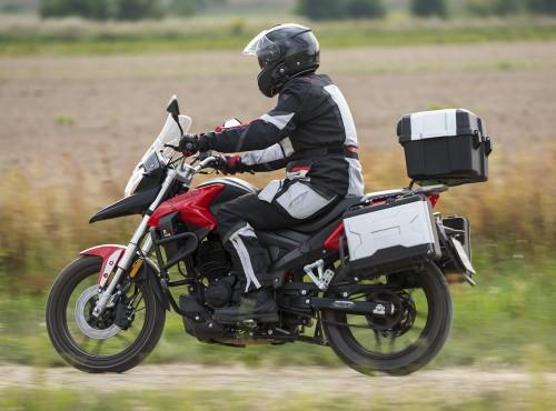 Junak RX One 125: bilet do motocyklowej turystyki dla posiadaczy prawa jazdy kat B
