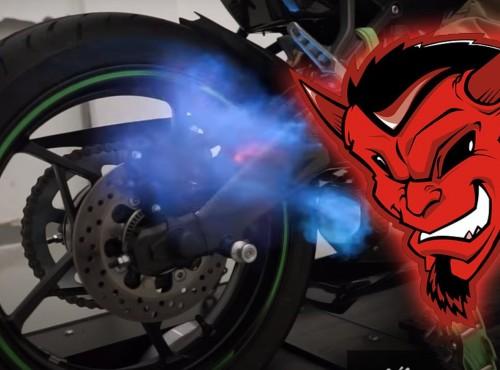 SZATAŃSKO brzmiące Kawasaki Ninja ZX-25R na wydechu Yoshimura [VIDEO]