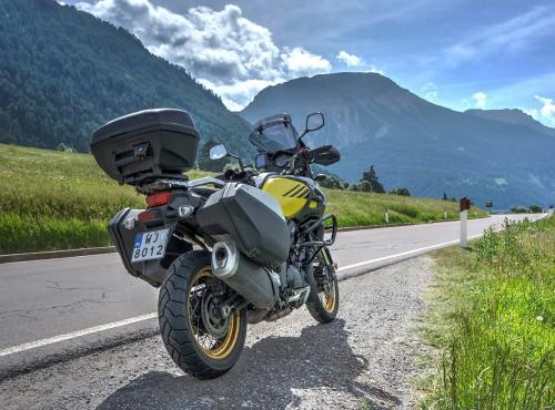 Motocyklem po Europie 2020. Które kraje znoszą ograniczenia i kiedy?
