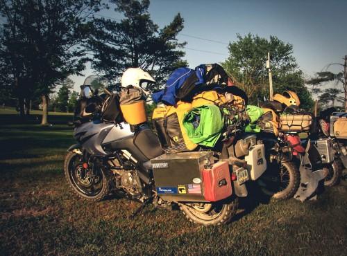 Jak spakować się na motocykl? 7 porad przed wakacyjnymi wojażami