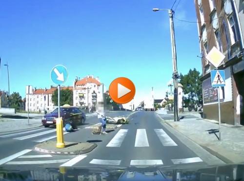 Miał dożywotni zakaz prowadzenia pojazdów. Rozbił się motocyklem w czasie pościgu [VIDEO]