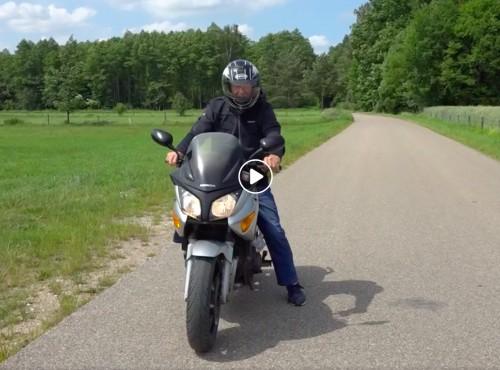 Eliksir młodości. 85-letni pan Franciszek wciąż jeździ motocyklem [VIDEO]