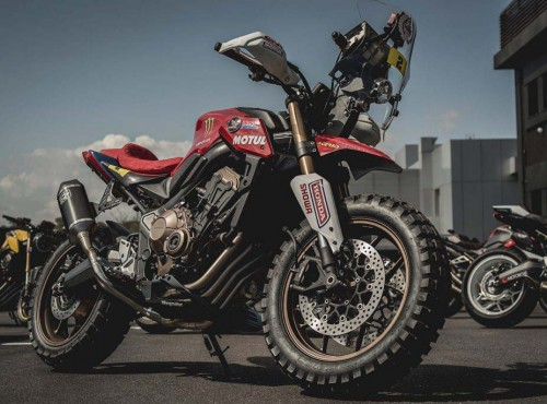 Honda CB 650 R Rally - custom łączący dwa światy