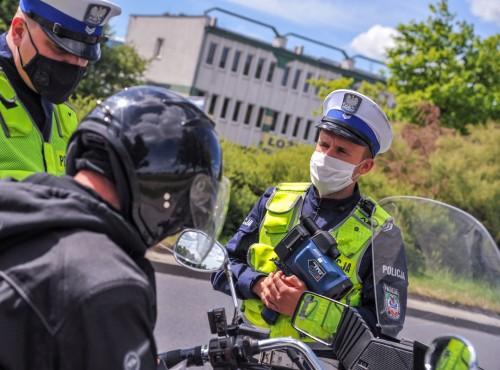 Kontrole drogowe będą krótsze. Policjanci uzyskali dostęp do Centralnej Ewidencji Kierowców