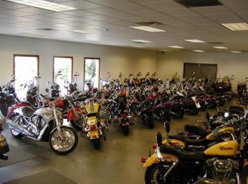 Doskonały czerwiec w salonach. Sprzedaż motocykli idzie mocno w górę!