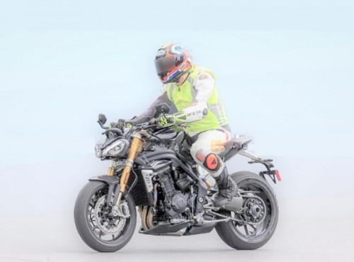 Triumph Speed Triple 1200 2021. Opis, dane techniczne, zdjęcia