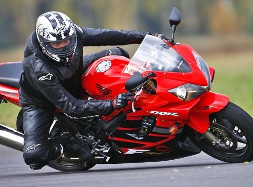 Motocykl używany: Honda CBR600 F4i - prezentacja, dane techniczne, wady/zalety, na co zwrócić uwagę (2001-2006)