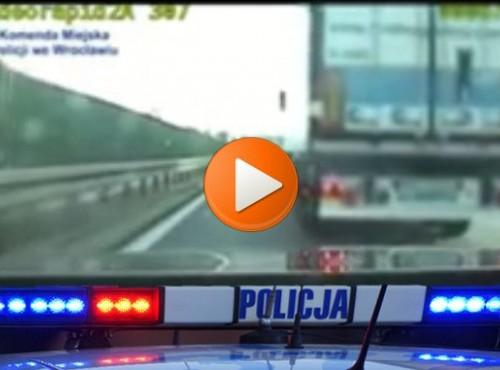 Szeryf z ciężarówki wymierza sprawiedliwość. Polskiej policji. Zobacz film z pechowcem roku