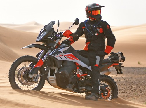 Jazda motocyklem w upałach. Jak się zabezpieczyć, jak chronić, jakie są zagrożenia?