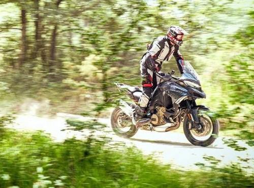 Enduro z piekła rodem. Ducati Multistrada V4 na szpiegowskich zdjęciach
