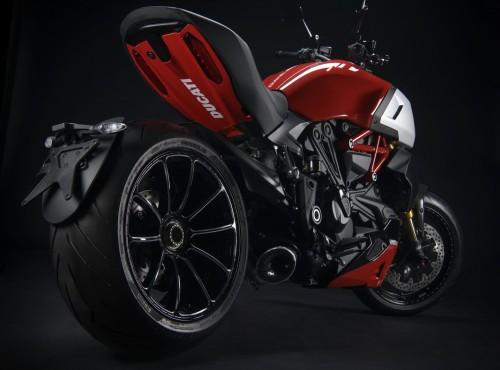 Twój Ducati Diavel 1260 może być jeszcze lepszy!  Akcesoria Ducati Performance