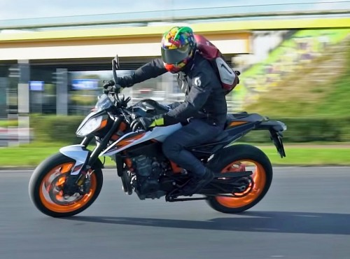 KTM 890 Duke R - co nowego? [PREMIERA, FILM]