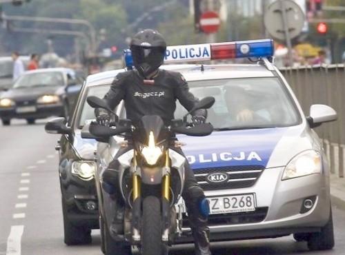 10 km/h wolniej, czujni przed przejściem jak traszki, zakaz używania telefonów. Oto projekt zmian w ruchu drogowym.