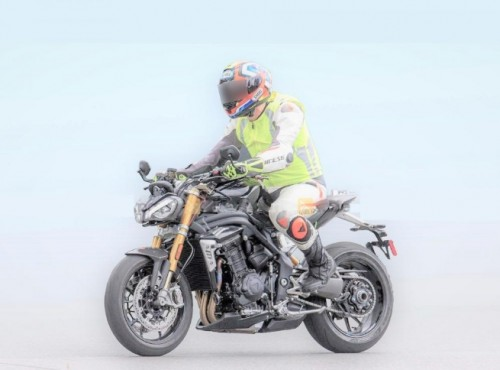 Triumph Speed Triple 1200 RS - wyciekły informacje, będzie mocne uderzenie