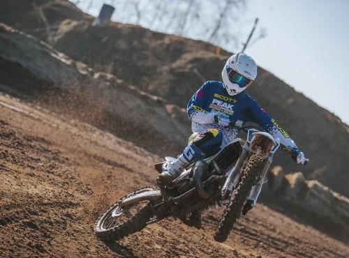Motocykl Honda SCOTT/Pro Circuit na trzydziestolecie współpracy [VIDEO]
