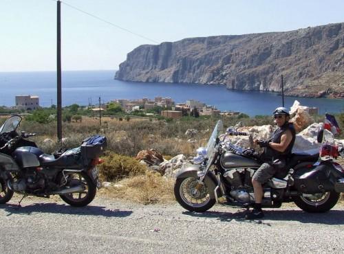 Dlaczego to dobrze, gdy mąż jeździ na motocyklu? Co się zyskuje i czy można coś stracić?