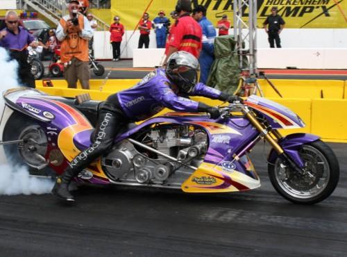 Motocyklowe wyścigi dragsterów, czyli moja fascynacja jazdą okrakiem na armatniej kuli
