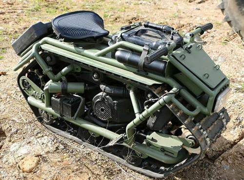 Gąsiennicowy motocykl Khomyak to raczej mini-czołg. Doskonały pojazd w naszych czasach