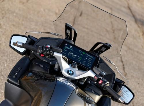 System sterowania motocyklem za pomocą gestów - poznaj najnowszy patent od BMW Motorrad