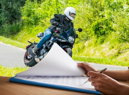 Ubezpieczenie AC na motocykl - Ilu właścicieli wykupuje dodatkowe opcje? Choćby tylko NNW? Będziecie zaskoczeni