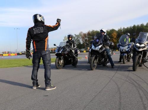Szkolenia kandydatów na kierowców - Komisja Europejska chce zmian, a z pomocą przychodzą federacje motocyklowe